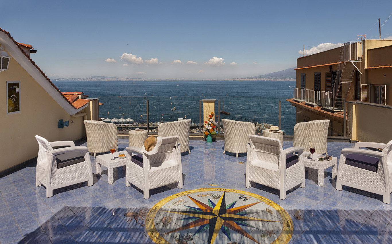Hotel In Sorrento Italy With Roof Terrace Hotel Del Mare